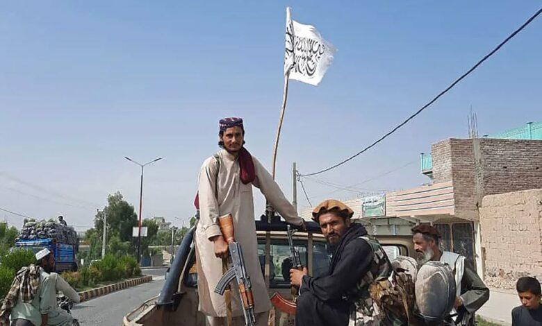 Талибы на захваченной технике армии Афганистана. 15 августа AFP / Scanpix / LETA